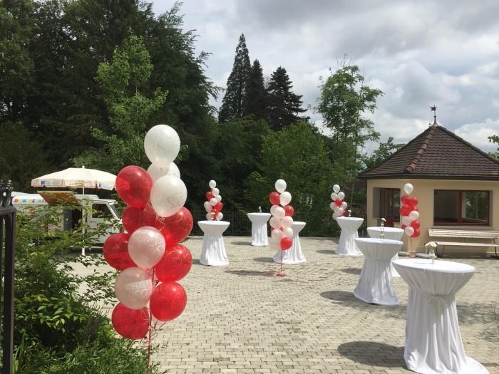 Hochzueitsdeko outdoor Apero Platz  Bouquet Ballonhaus8081
